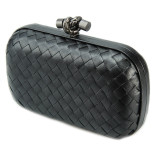 Clutch_Bottega_Veneta_knot_leather_black-1