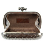 Clutch_Bottega_Veneta_knot_leather_d.silver-2