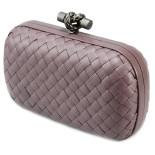 Clutch_Bottega_Veneta_knot_leather_flamingo-1