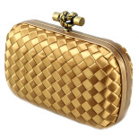 Clutch_Bottega_Veneta_knot_satin_gold-1