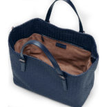 Bottega_Veneta_Tote_off_Intrecciato_nappa_dark_blue_2
